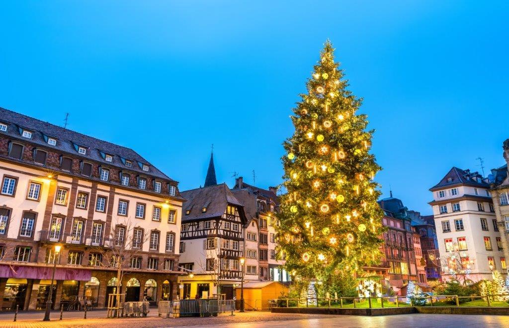 Les marchés de Noël en Alsace et le cabaret Royal Palace, Région Sud-Ouest