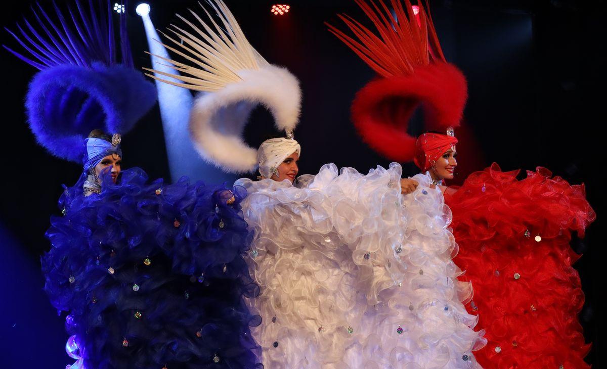 FRANCE - Cabaret Le Grain de Folie, déjeuner spectacle