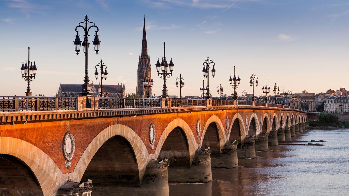 FRANCE - Déjeuner croisière sur la Garonne, Bordeaux